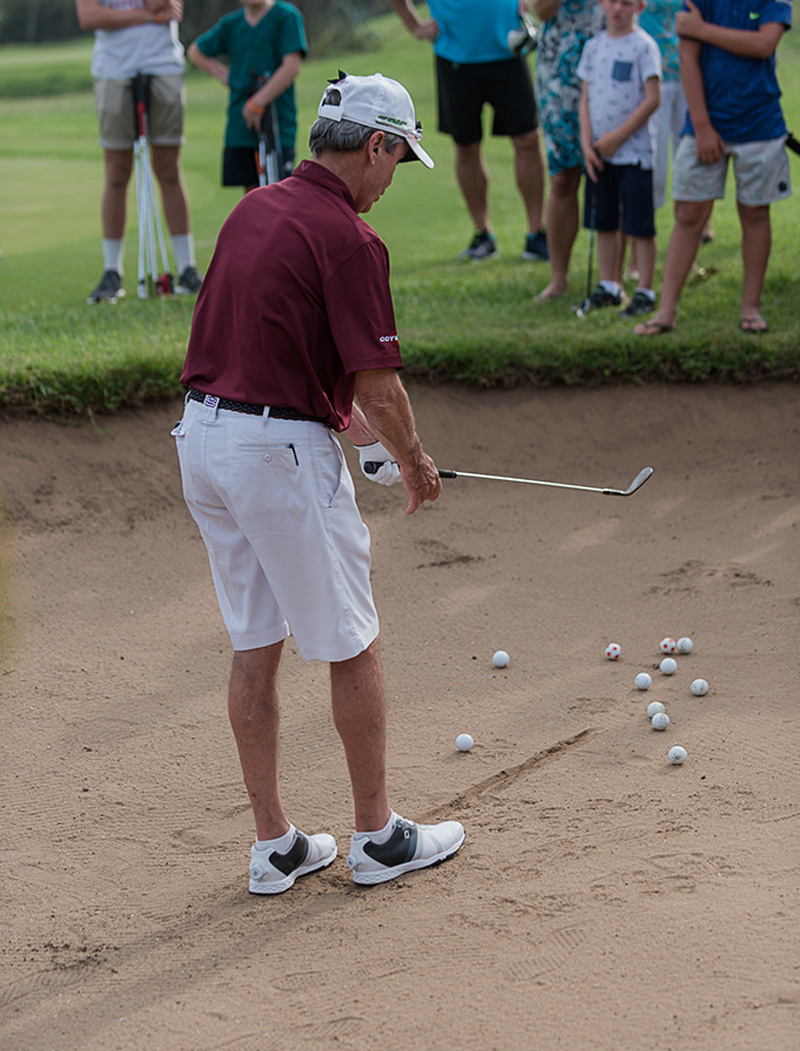 Mark teaching bunker shots